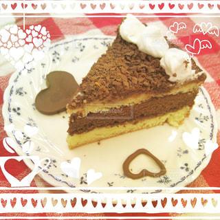 皿の上のケーキの一部 - No.817704