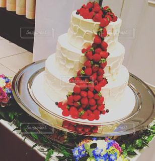 プレートに飾られたケーキの写真・画像素材[824900]