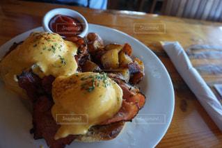 朝食,レストラン,ハワイ,ワイキキ,行列,エッグベネディクト,オープンエア,満席,LULU'S WAIKIKI,ルルズカフェ