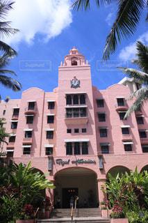海外,ピンク,ハワイ,Hawaii,ピンク色,pink,royalhawaiianhotel,ロイヤルハワイアンホテル,インスタ映え,ピンクホテル,ピンクパレスホテル