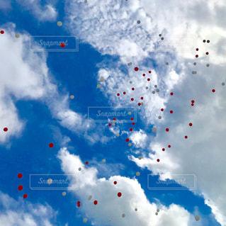 空,雲,青空,飛ぶ,風船,光,未来,夢,ポジティブ,希望,目標,可能性