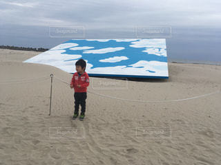 砂浜に青空のアートの写真・画像素材[1108942]