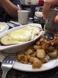 海外,アメリカ,パン,レストラン,卵,朝ごはん,美味しい,エッグベネディクト,ボストン,コショウ,人気店