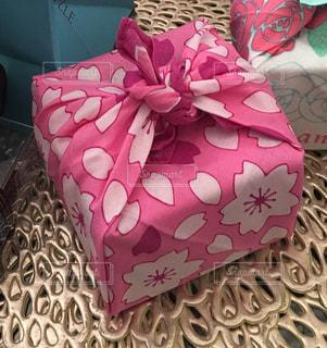 花,春,桜,ピンク,プレゼント,嬉しい,模様,おみやげ,風呂敷,小包