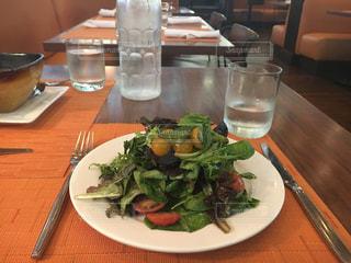 前菜のサラダの写真・画像素材[803583]