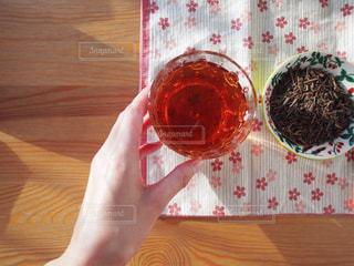 テーブルの上のケーキ - No.1056397