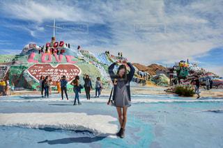 サルベーションマウンテンにて撮影したグループ写真・風景写真 / アメリカ旅行・女子旅の写真・画像素材[1149497]