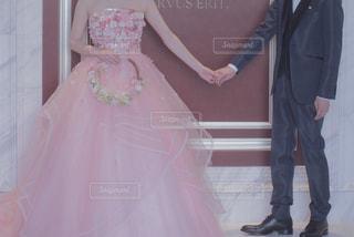 ピンクのドレスの女の子の写真・画像素材[1227907]