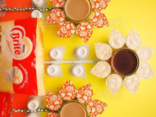 ネスレ ブライト おうちカフェ ラテ アイスコーヒー リキッドタイプ ポーション アート ひまわり 花の写真・画像素材[1252075]