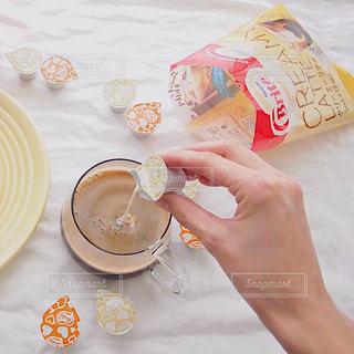 ネスレブライト ラテ おうちカフェ ホットラテ ホットコーヒー ポーションの写真・画像素材[1255159]