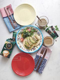 ネスカフェ スティック エクセラ アイスラテ ソイラテ 濃厚カプチーノ パンケーキ おうちカフェの写真・画像素材[1301589]