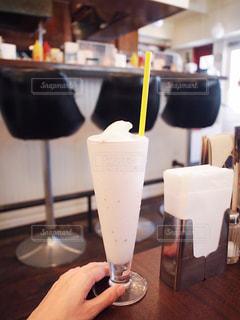 ストロベリー シェイク ハンバーガー ショップの写真・画像素材[1423104]