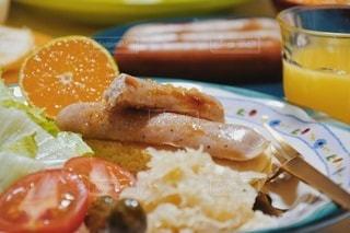 食べ物,おうちごはん,パンケーキ,食卓,朝食,ジュース,オレンジ,デザート,テーブル,果物,トマト,野菜,ワンプレート,サラダ,カップ,みかん,朝ごはん,蜂蜜,おいしい,テーブルフォト,美味しい,おうちカフェ,ソーセージ,オレンジジュース,ピクルス,はちみつ,プレートごはん,満足,ボリューム,ハチミツ,朝の風景,アンバサダー,大満足,ジョンソンヴィル