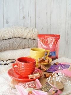 テーブルの上のコーヒー1杯の写真・画像素材[2846277]