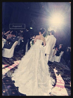 カップル,結婚式,ドレス,後姿,ウエディング,パーティー,タキシード,ウエディングドレス,入場,ツーショット