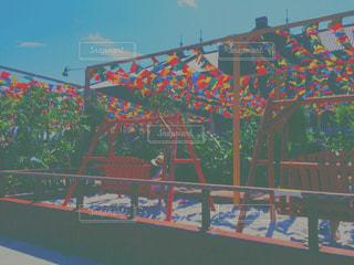 橋の上の人々 のグループの写真・画像素材[772583]