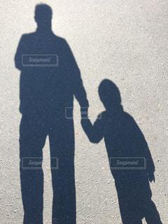 家族,親子,影,手をつなぐ,ツーショット