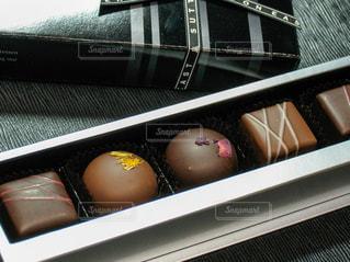 スイーツ,プレゼント,洋菓子,お菓子,チョコレート,バレンタイン,チョコ,箱入り,バレンタインデー,ギフト,ラッピング,黒っぽい
