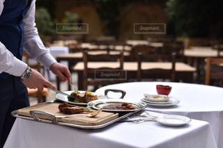 ランチ,海外,テラス,旅行,フランス,昼食,レストラン,お肉,ニース,ラム,ギャルソン,La Colombe D'Or