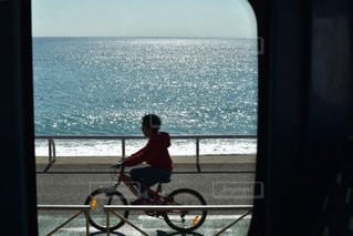 子ども,海,自転車,海外,ビーチ,男子,子供,人,旅行,バス,フランス,車窓,サイクリング,男の子