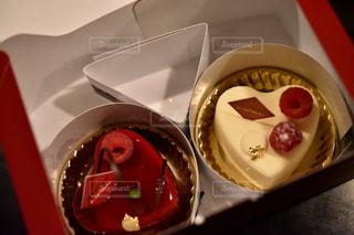スイーツ,ケーキ,紅白,ハート,箱,可愛い,記念日