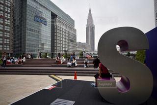 子ども,風景,東京,女子,子供,女の子,高層ビル,新宿,サザンテラス,メトロポリス