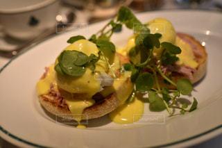食事,朝食,海外,ヨーロッパ,旅行,イギリス,ロンドン,朝ごはん,エッグベネディクト,yummy,IVY brasserie kensington