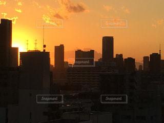 冬の東京の夕暮れの写真・画像素材[966253]