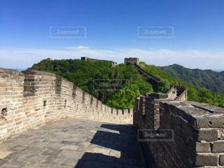 山並みにうねる万里の長城の写真・画像素材[1109439]