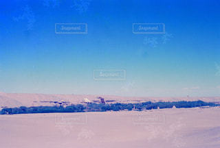 敦煌郊外の砂漠の中の莫高窟のオアシスの写真・画像素材[1113624]