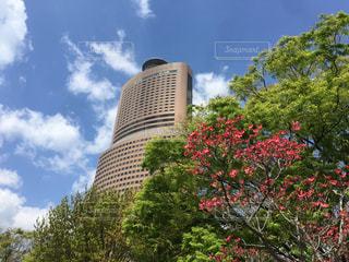 青空にそびえ立つアクトタワーの写真・画像素材[1116187]