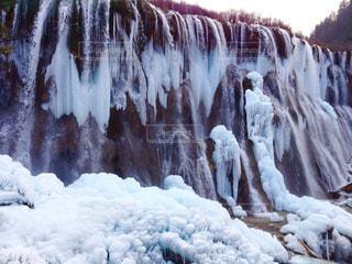 青味がかった氷瀑の写真・画像素材[1491553]
