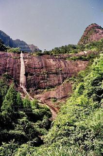 黄山⛰入口付近の滝の写真・画像素材[1491604]