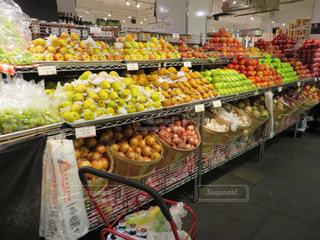 食べ物,ニューヨーク,アメリカ,フルーツ,果物,市場,りんご,洋梨,スーパー