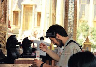 礼拝する男の写真・画像素材[4561657]