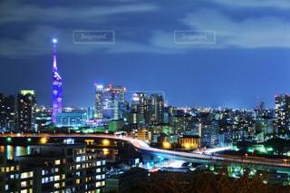 夜の街の景色の写真・画像素材[1682812]