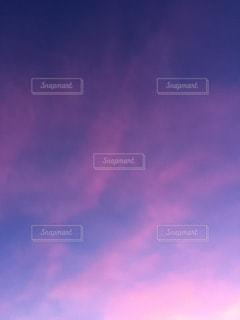 空には雲のグループの写真・画像素材[1450950]