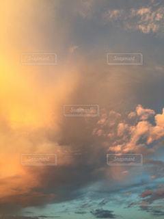 空の雲の写真・画像素材[1864726]