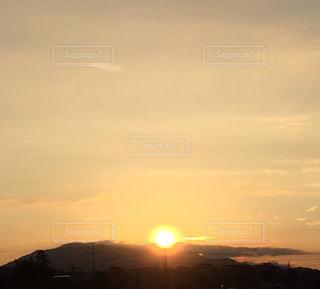 背景の夕日の写真・画像素材[1877530]
