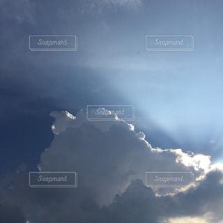 空に雲の群しをするの写真・画像素材[2414956]