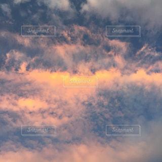 空に雲の群しをするの写真・画像素材[2443718]