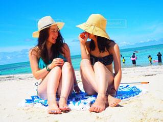 海,水着,沖縄,笑顔,慶良間諸島,友達,ツーショット,ナガンヌ島