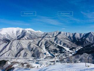 自然,風景,アウトドア,空,スポーツ,雪,屋外,晴れ,青空,雪山,山,氷,人物,スキー,スノボ,ゲレンデ,レジャー,スキー場,スノーボード,斜面,氷河,クラウド,覆う,峡谷