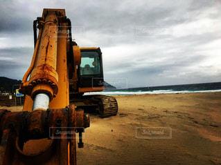 ビーチにトラックを止めてください。の写真・画像素材[806385]