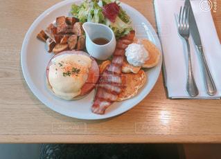 高級カフェで朝ごはんの写真・画像素材[1156178]