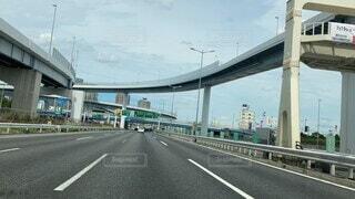 風景,空,橋,屋外,車,道路,陸橋,高速道路,道,トラック,車両,テキスト,流れる,タイムラプス,インフラストラクチャ,固定リンク