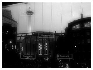 都市の黒と白の写真の写真・画像素材[813221]