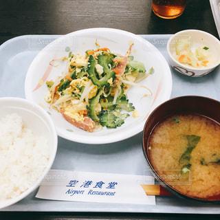 ランチ,沖縄,ゴーヤチャンプル,空港食堂