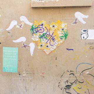 壁に落書きの写真・画像素材[2231357]