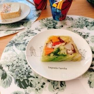 食べ物,飲み物,朝食,テーブル,野菜,皿,料理,テリーヌ,出前,お洒落,ゼリー,宅配,テイクアウト,宝石箱,デリバリー,お持ち帰り,ジュレ,サーモンクリーム